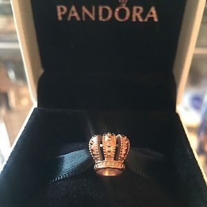 👑AUTHENTIC PANDORA CROWN CHARM IN ROSE GOLD